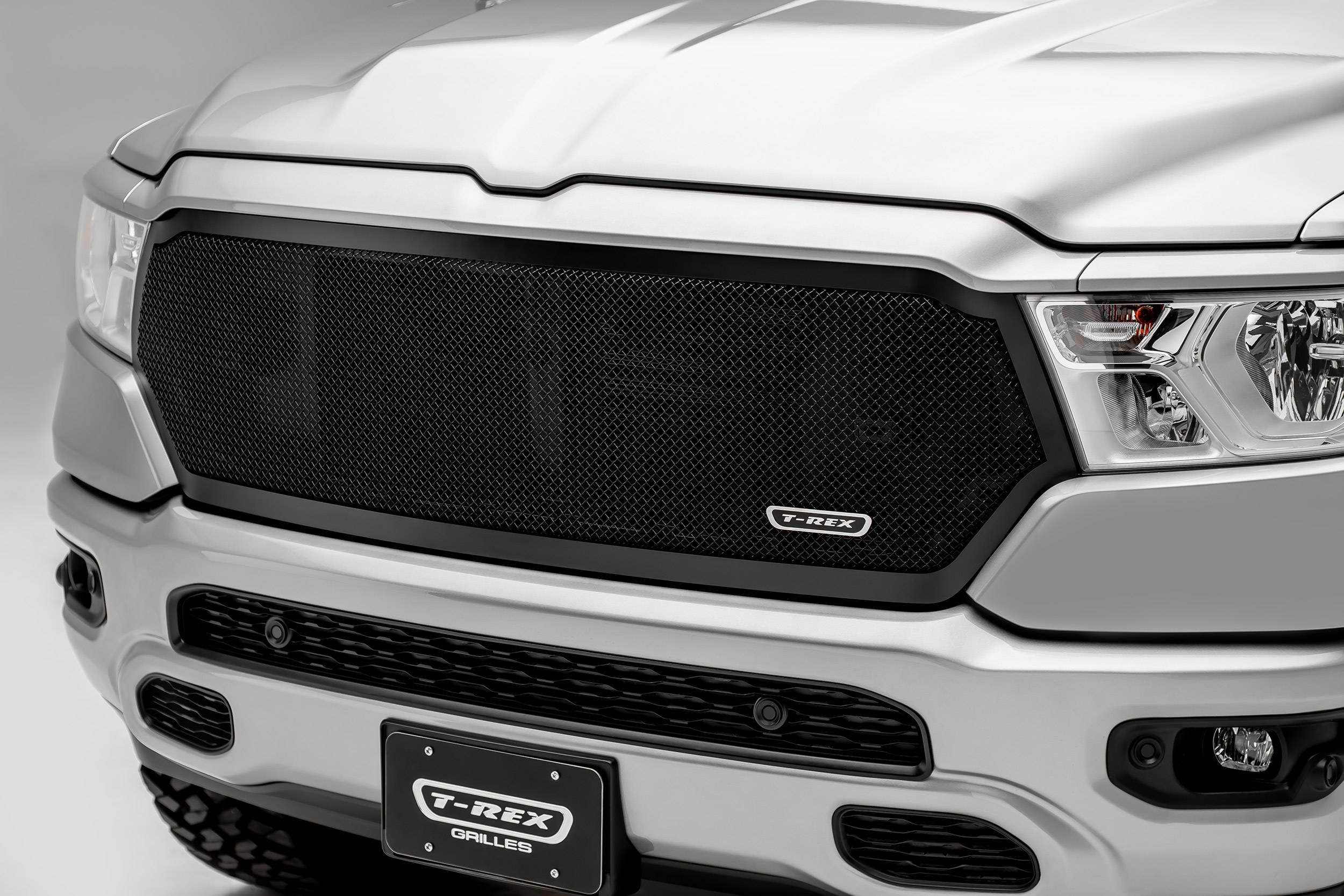 2019 2021 ram 1500 laramie lone star big horn tradesman upper class grille black 1 pc replacement pn 51465 2019 2021 ram 1500 laramie lone star big horn tradesman upper class grille black 1 pc replacement pn 51465