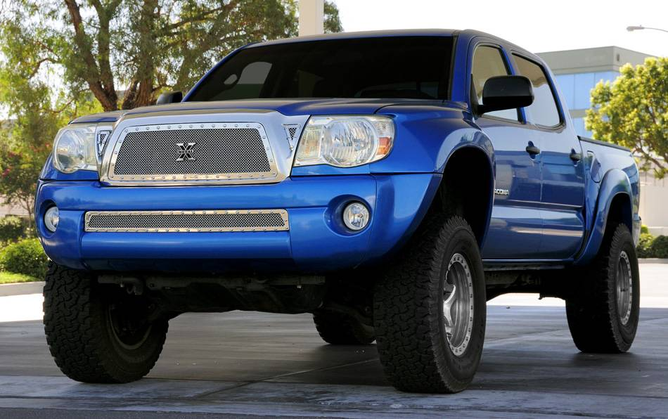 Toyota Tacoma X-METAL Series - Studded Main Grille - Polished SS Includes 2 Small Triangle Grille Inserts - Pt # 6719360