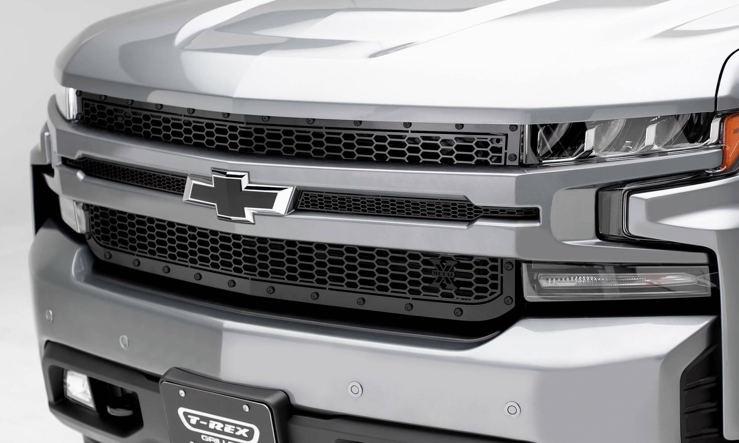 T-REX Grilles - 2019-2020 Silverado 1500 Stealth Laser X Grille, Black, 1 Pc, Replacement, Black Studs - PN #7711261-BR