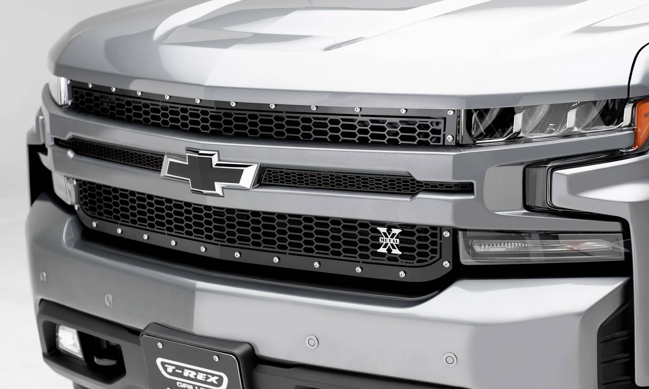 T-REX Grilles - 2019-2020 Silverado 1500 Laser X Grille, Black, 1 Pc, Replacement, Chrome Studs - PN #7711261