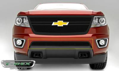 T-REX Grilles - Chevrolet Colorado - Upper Class Series - Overlay - Bumper Grille with Black Powdercoat Finish - Pt # 52267