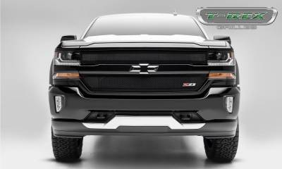 T-REX Grilles - 2016-2018 Chevrolet Silverado 1500 Z71 Upper Class Series, Powder Coated Black, 2 Pc Main Grille Insert - Fits Z71 Only - Pt # 51124 - Image 4